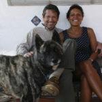 Con Alina y Alí, en el porche de la casa de Nayón, 2007.