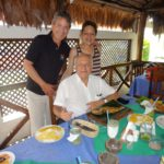 Con Manuel Elkin Patarroyo, en Tapatinga, Brazil, en una visita a Leticia, Colombia. Agosto, 2014.