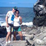 Con Alina, en la isla Española, Galápagos, durante su viaje de segunda luna de miel, el 3 de noviembre de 2010.