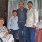 Con Tito Vallejo Corral, Aneta y Jenny Tagle, el 31 de marzo de 2009, en Guayaquil.