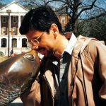 Con Testudo, mascota de la University of Maryland, en College Park, 1995.