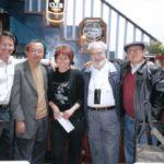 Con el poeta Mario Campaña, los críticos Alicia Ortega y Nelson Osorio, y el narrador Raúl Serrano, Cuenca, 2004.