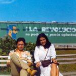 Con la poeta costarricense Ana Istarú, en La Habana, octubre 23, 1983.