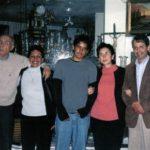 Con José Saramago, Pilar del Río, Sebastián y Alina, después de cenar juntos. Quito febrero 19 de 2004.